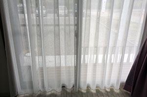 室内から見たミラーレスカーテン